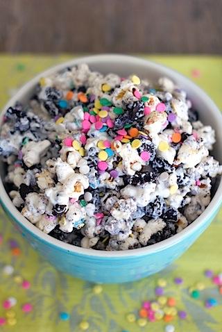 Oreo Marshmallow Funfetti Popcorn 2.jpg