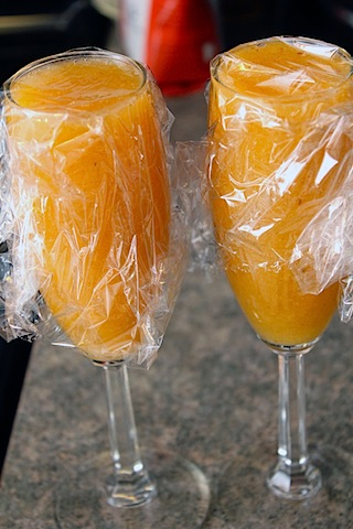 Peach-Bellini-Jelly-Champagne.jpg
