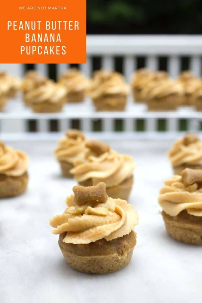 Peanut Butter Banana Pupcakes -- Have a dog birthday coming up? Your pup will go crazy for these peanut butter banana pupcakes... Cupcakes for dogs! #pupcakes #dogbirthday #dogtreats