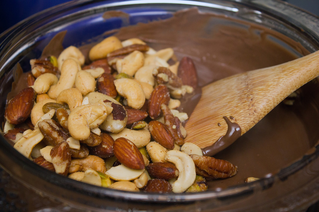 Planters Mixed Nuts Dark Chocolate Mixed