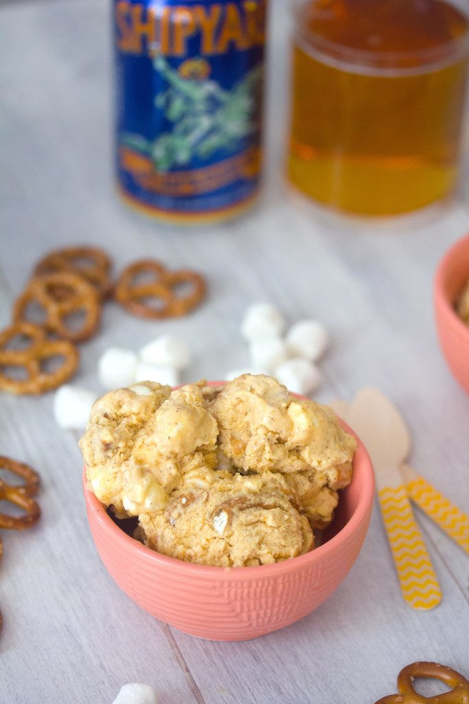 Pumpkin Beer Ice Cream with Pretzels and Marshmallows -- the perfect fall ice cream packed with pumpkin spice flavor | wearenotmartha.cm