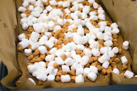 Pumpkin Butterscotch Blondies Gooey Toppings.jpg