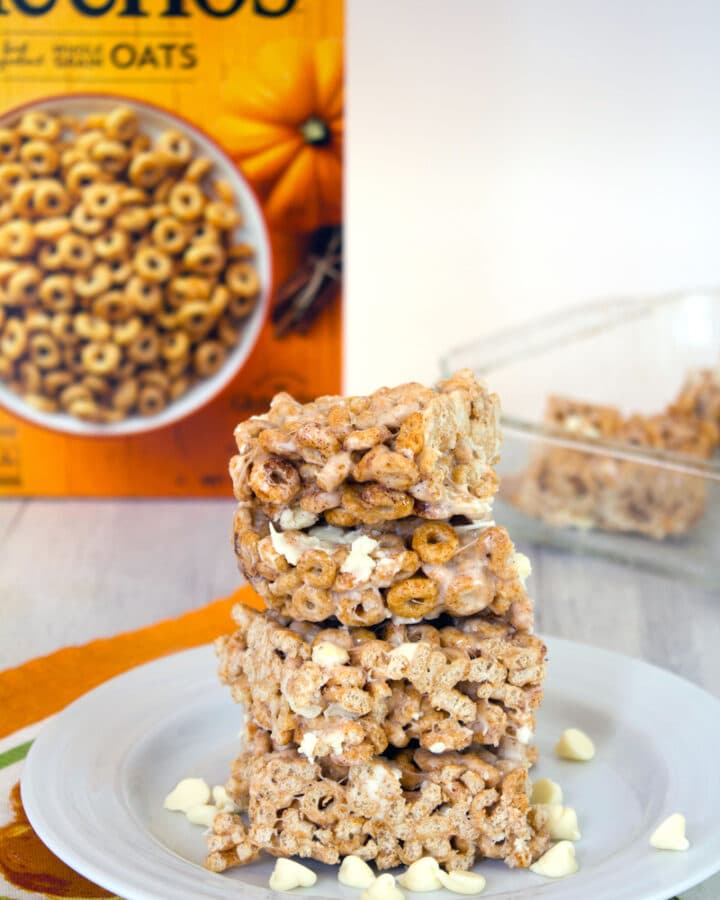 Pumpkin Spice Cheerios Marshmallow Treats -- Fall is in the air and these Pumpkin Spice Cheerios Treats are an easy to make spin on the classic Rice Krispies treats. Pumpkin Spice Cheerios and marshmallows are a match made in heaven | wearenotmartha.com