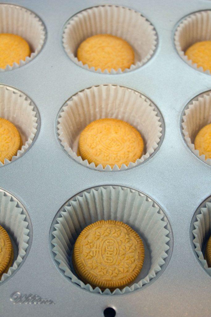Pumpkin Spice Oreo Mini Cheesecakes -- These personal-sized pumpkin spice cheesecakes are the perfect fall dessert | wearenotmartha