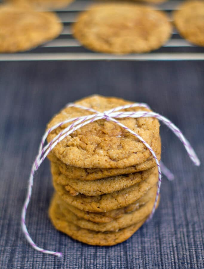Pumpkin Toffee Gingersnaps -- These Pumpkin Toffee Gingersnaps are deliciously soft and chewy cookies packed with sweet fall flavor! | wearenotmartha.com