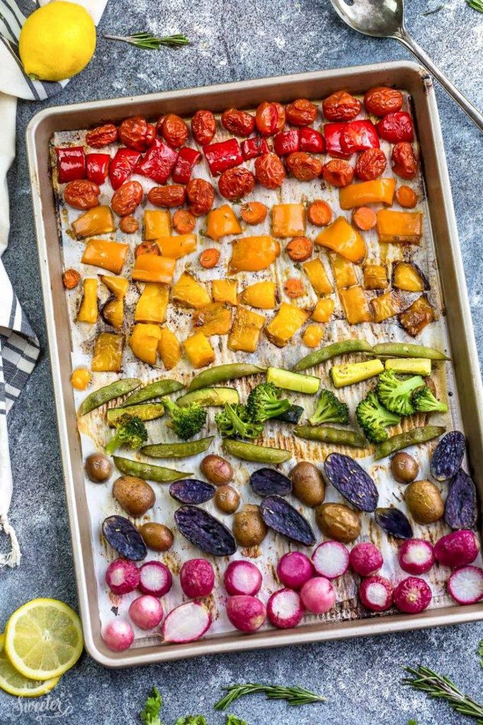 Rainbow-Roasted-Vegetables-makes-the-perfect-side-dish-e1489505973206