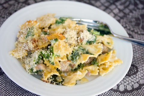 Roasted Garlic Mac and Cheese with Sausage and Kale 5.jpg