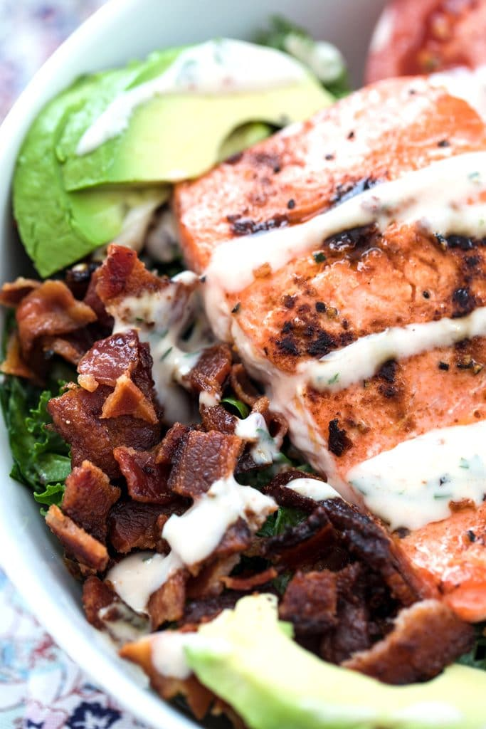 Salmon BLT Salad -- If you love BLT sandwiches, you'll love this Salmon BLT Salad with Chipotle Buttermilk Dressing. It takes the classic sandwich and flips it into a healthier, antioxidant-packed meal | wearenotmartha.com