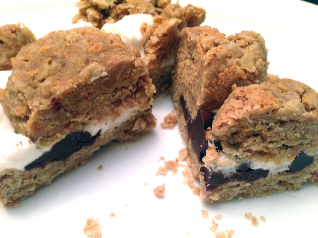 Smore_Cookie_Bars