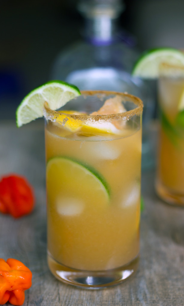 Spicy Roasted Grapefruit Margaritas -- A unique cocktail with a kick ...