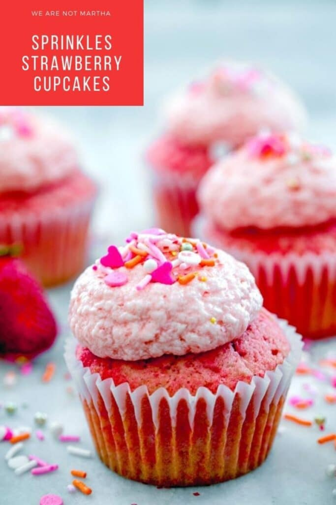 These strawberry cupcakes are Sprinkles strawberry cupcake copycats and are so delicious! | wearenotmartha.com #cupcakes #strawberry #strawberrycupcakes #sprinkles