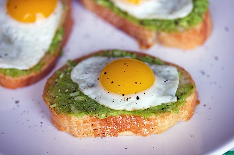 Sugar Snap Pea Crostini with Quail Egg 5.jpg