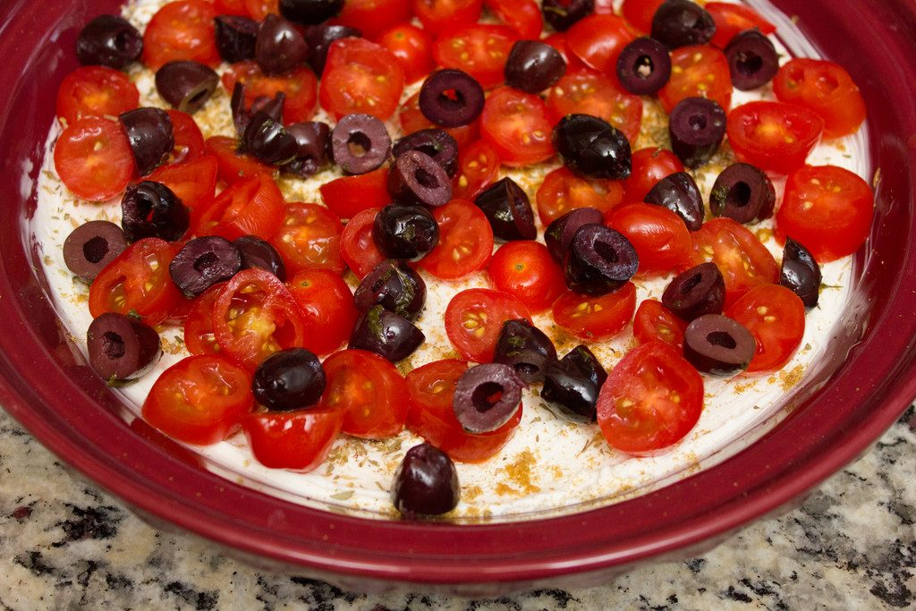 Tomato_and_Olives_Greek_Dip