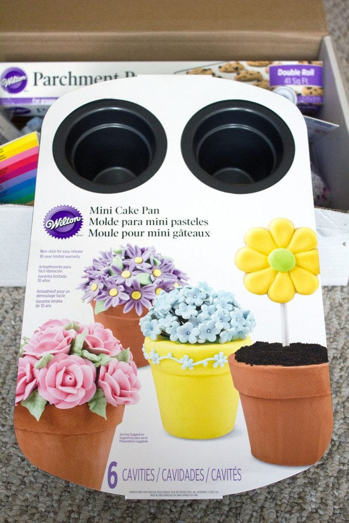 Overhead view of Wilton flower pot cake pan