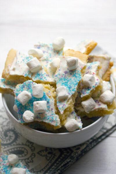 Winter_Wonderland_Sugar_Cookie_Bark_16